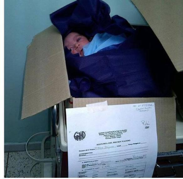 Así amanecieron los Recien Nacidos en el seguro social San José por el colapso del HCM