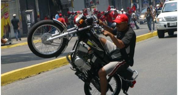 motorizado_malandros_chavistas-600x320